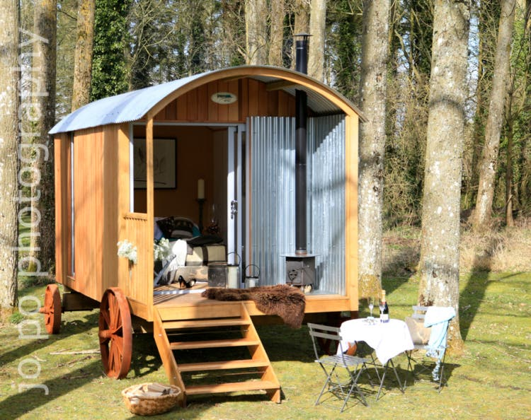 Plain-Hut-shepherds-hut1