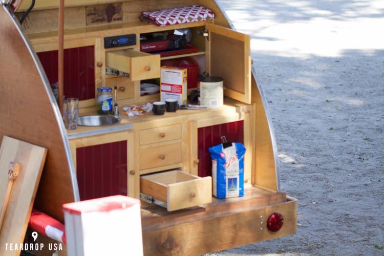 teardrop-trailer-organize