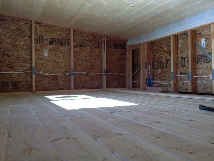 WoodShop-TinyHouse-loft2