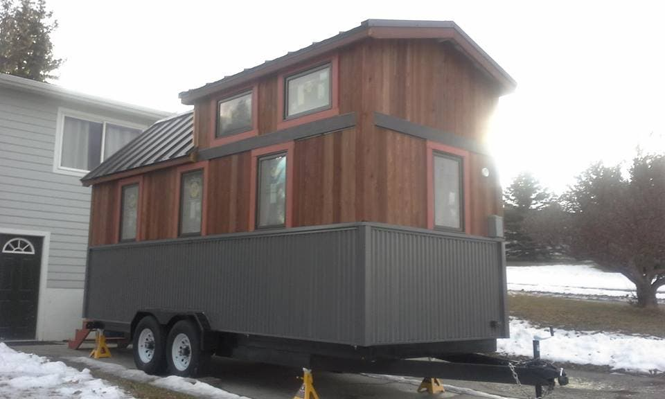 Tiny lotus house in bozeman montana for Cost to build a house in bozeman mt