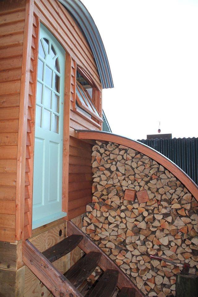 BarrelTopWagon-LivingWagon-wood