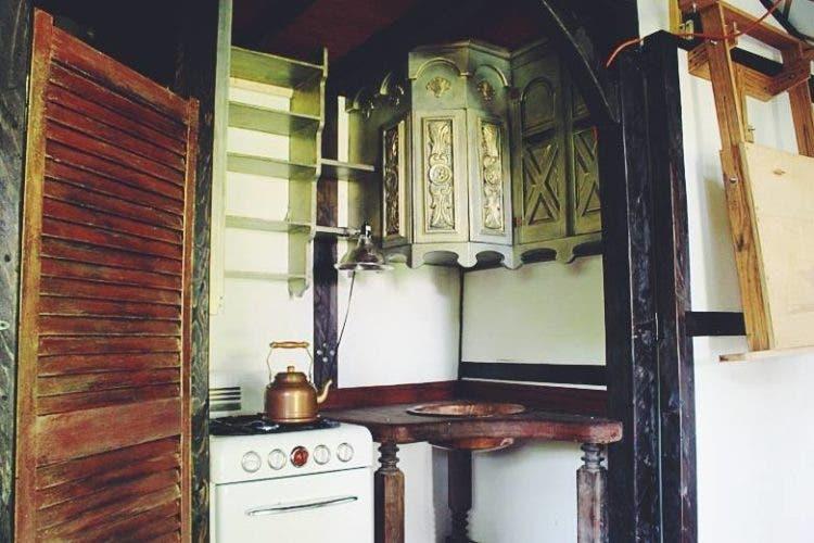 steampunk-tinyhouse-ChlieBarcelou-HannahDubois