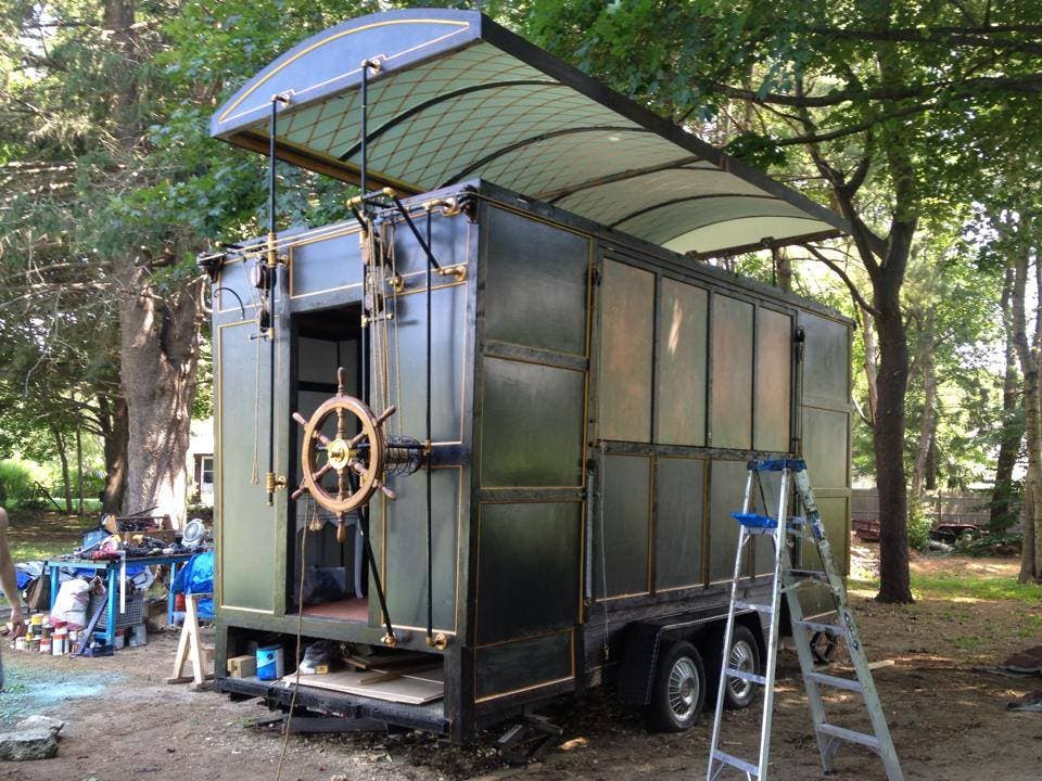 Tiny steampunk house built by film set designer and movie for Small new build homes