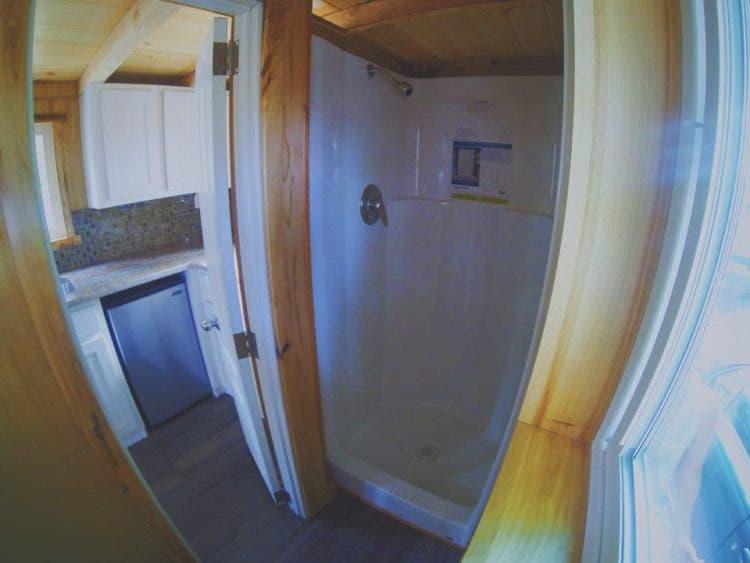 TinyMountainHouses-bathroom