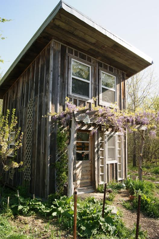Used reclaimed recycled building materials 10 tips for finding salvage wood tiny house blog for Cost to demo interior of house