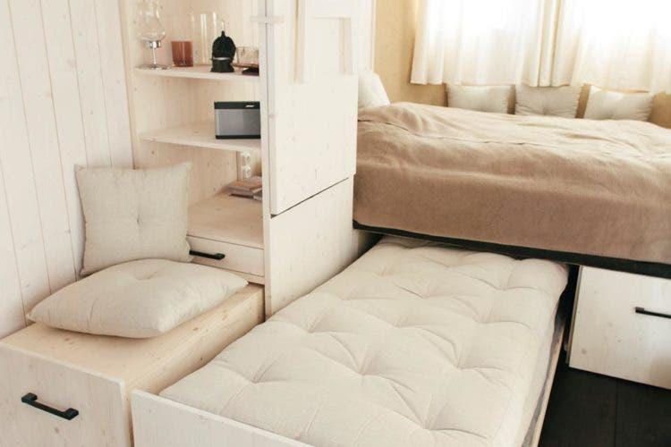 Wohnwagon-tinyhouse-bed3