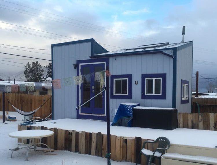 Chelsea-TinyHouse-snow