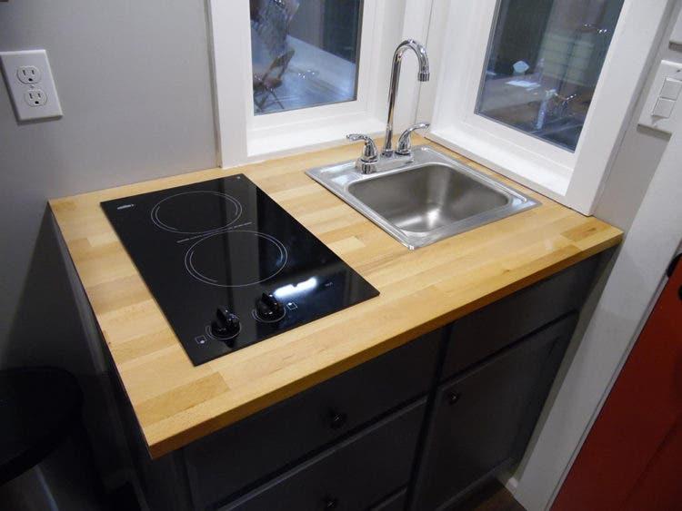 UpperValley-TeenyTinyHouse-kitchen