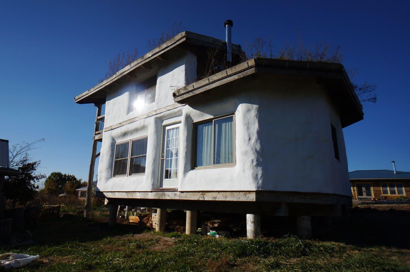 00 strawtron exterior south tiny house blog for Tiny house blog