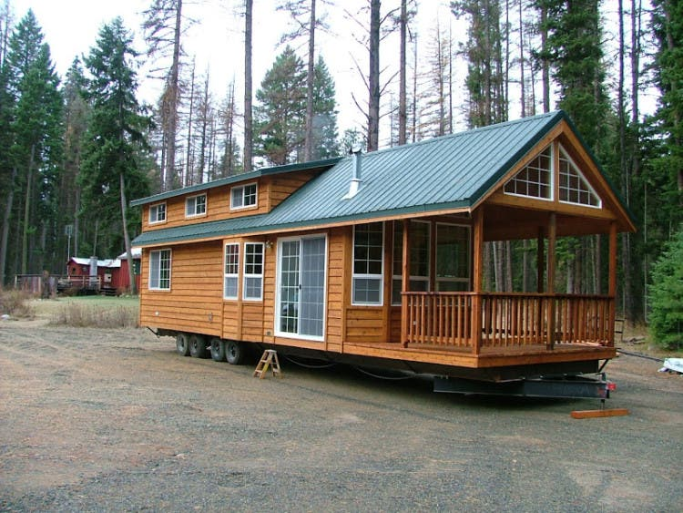 different models to choose from including a category they call park models all of which fall under 400 square feet well into tiny house territory - Tiny House Mobile