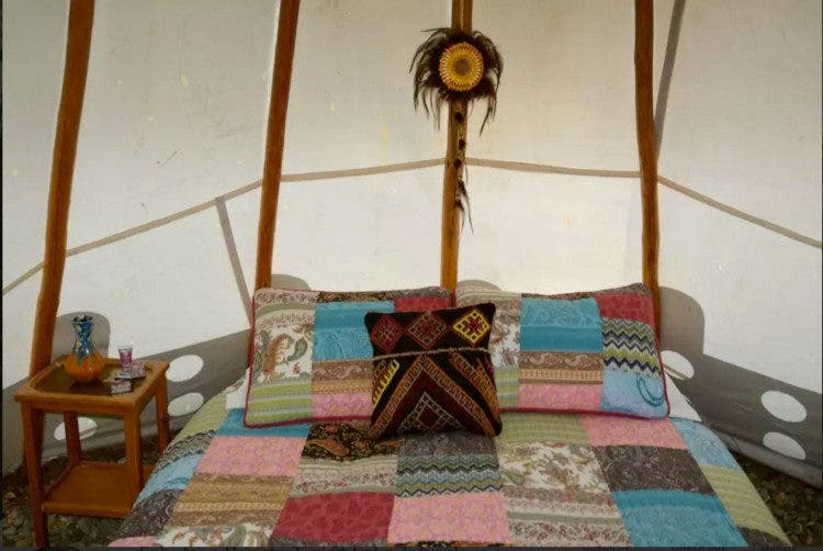 Tahoe-tipi-sale-bed