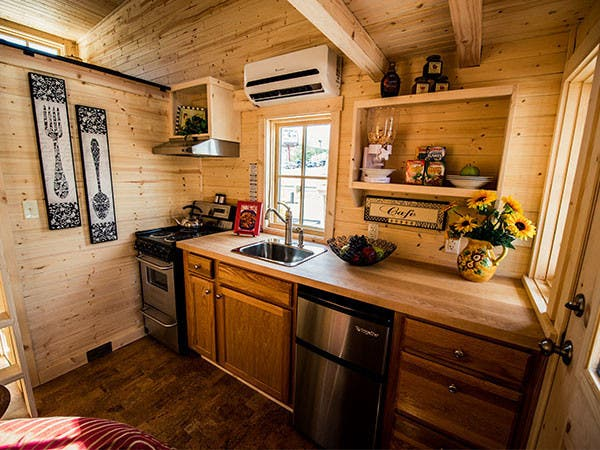 1 tumbleweedhousescom - Tiny House On Wheels Plans