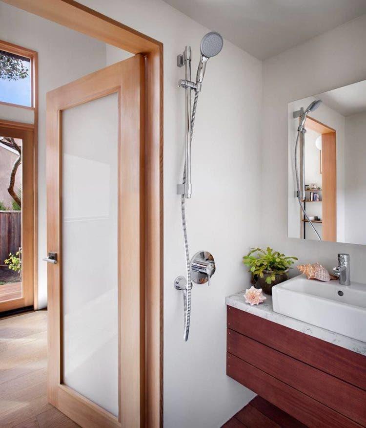 AVAVA-tinyhouse-bathrrom