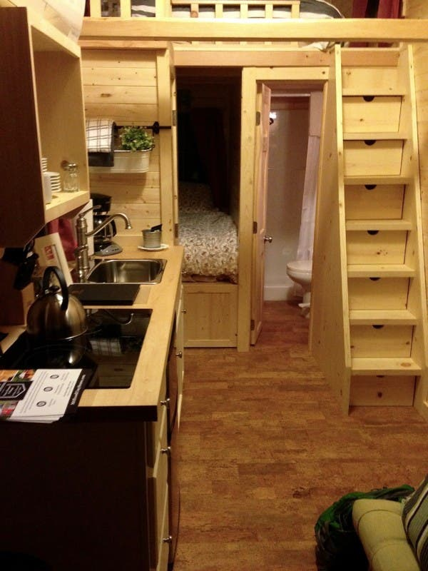 Kitchen and lower sleeping bed