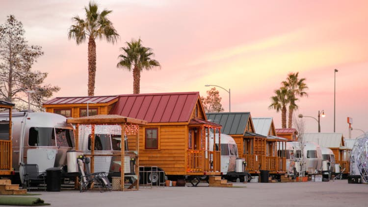 Tiny House Las Vegas >> Llamalopolis An Urban Tiny Living Oasis Tiny House Blog