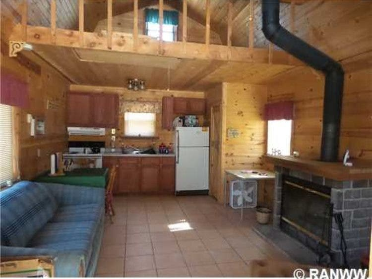Stupendous 10 Tiny Houses For Sale In Wisconsin You Can Buy Now Tiny Download Free Architecture Designs Scobabritishbridgeorg