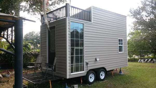 8 the balcony on wheels - Little Houses For Sale