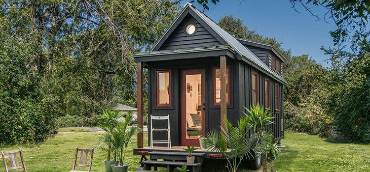 Tiny House versus