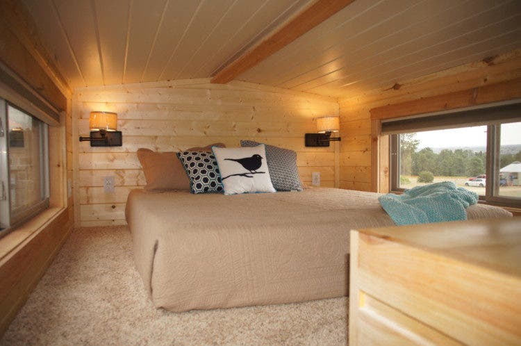 WanderHomes-tinyhouse-bed
