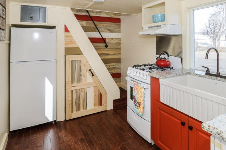 10 Secret Tricks for Small Houses Can Be Looked Broad | Creative ...