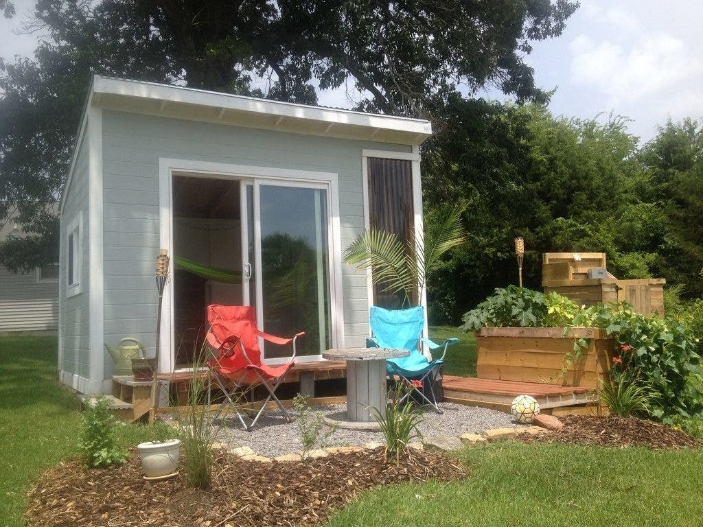 Tiny house living on a budget 10 inexpensive small homes for Affordable house builders