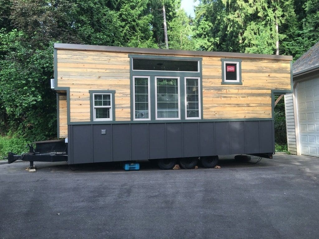 ^ iny Houses on Wheels for Sale You an Buy Now