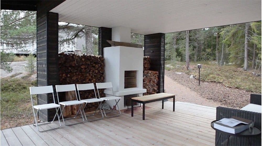 Sunhouse Finland Covered Deck