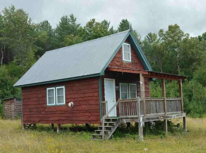 off grid cottage in vermont tiny house blog. Black Bedroom Furniture Sets. Home Design Ideas