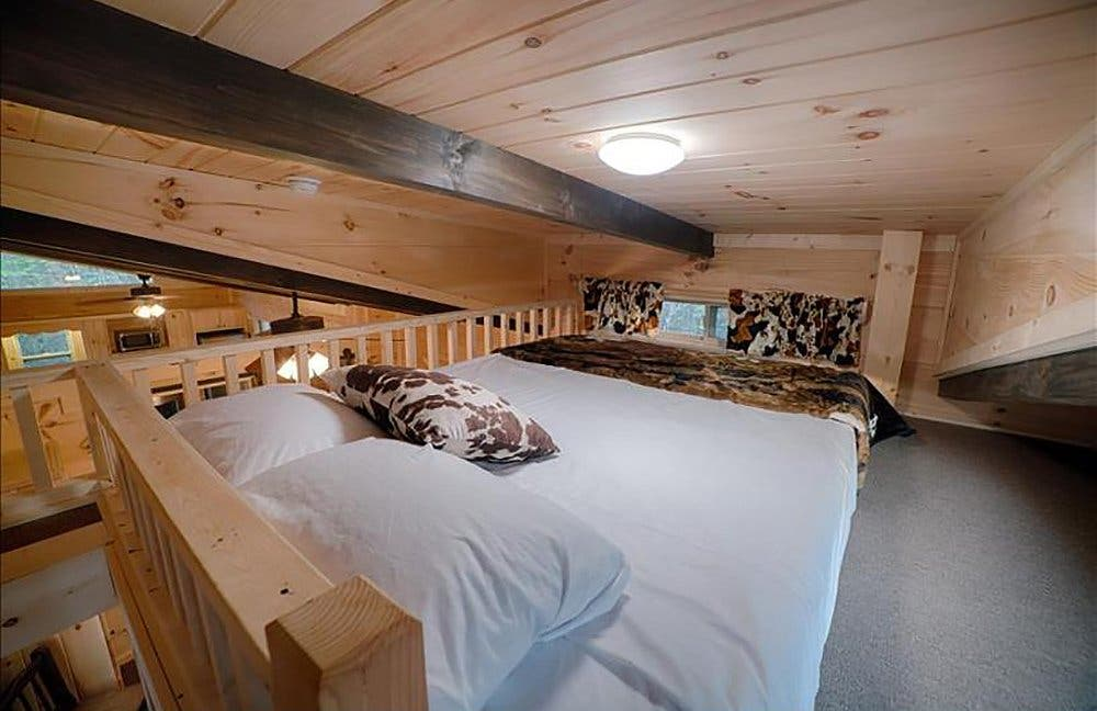 Green River Log Cabins Builds Custom Park Models In 3 Weeks
