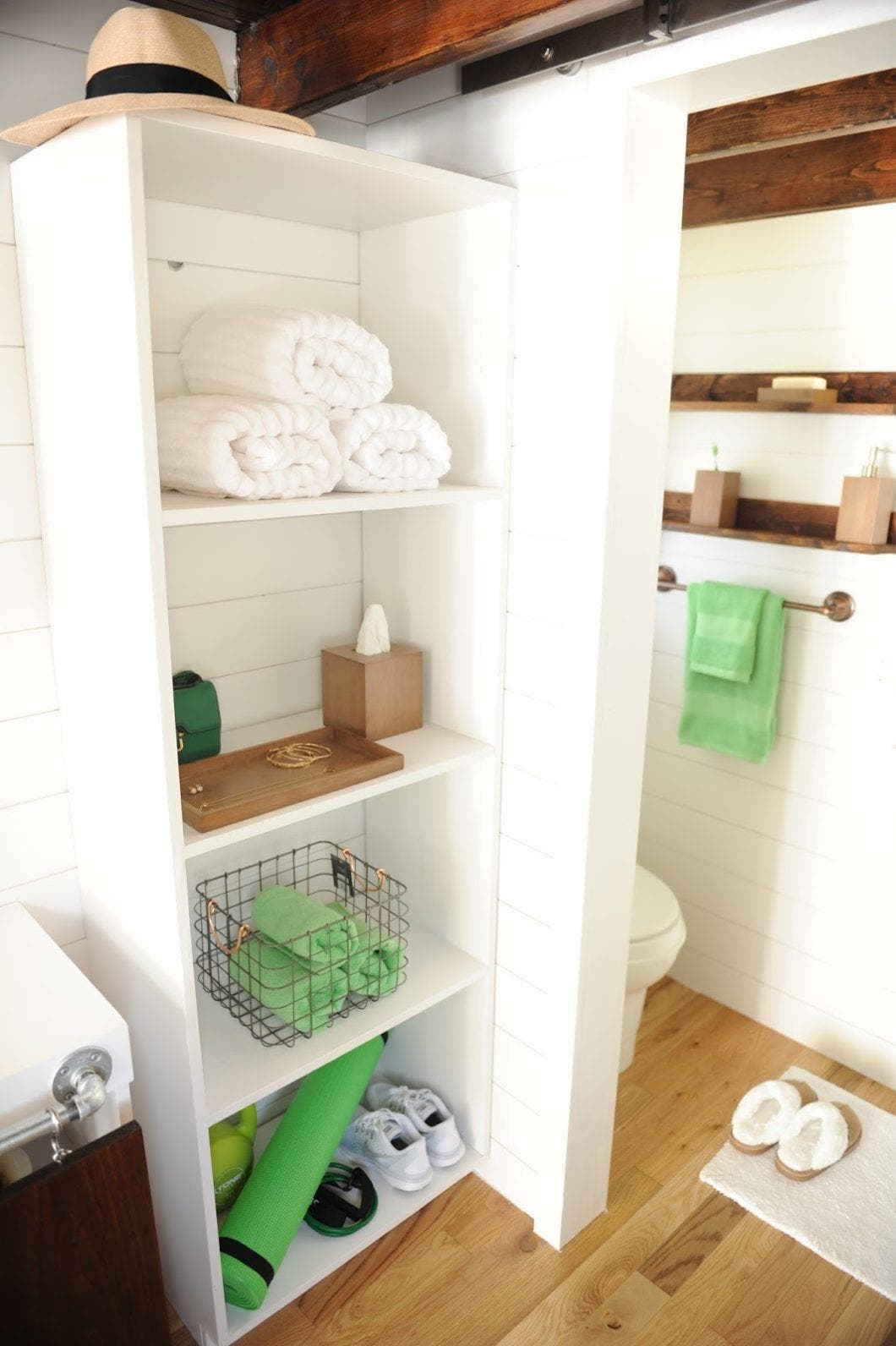 """Tiny Home Designs: Nestea's Tiny """"Less Is More"""" House"""