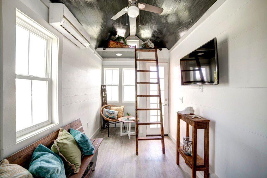 Airy Tampa Bay Tiny Houses Built To Noah Standards Tiny