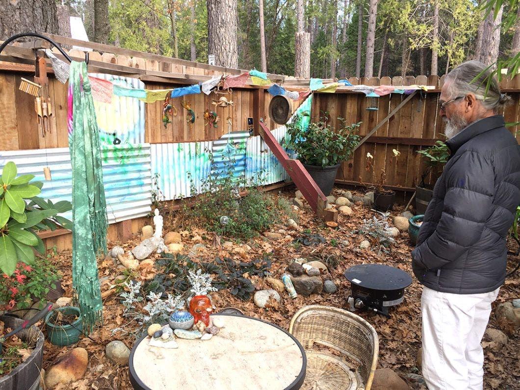 scottsherman-tinyhouse-campground-garden - Tiny House Blog