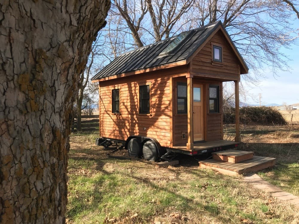 Tammy 39 s tiny house on wheels is for sale tiny house blog for Tiny house blog