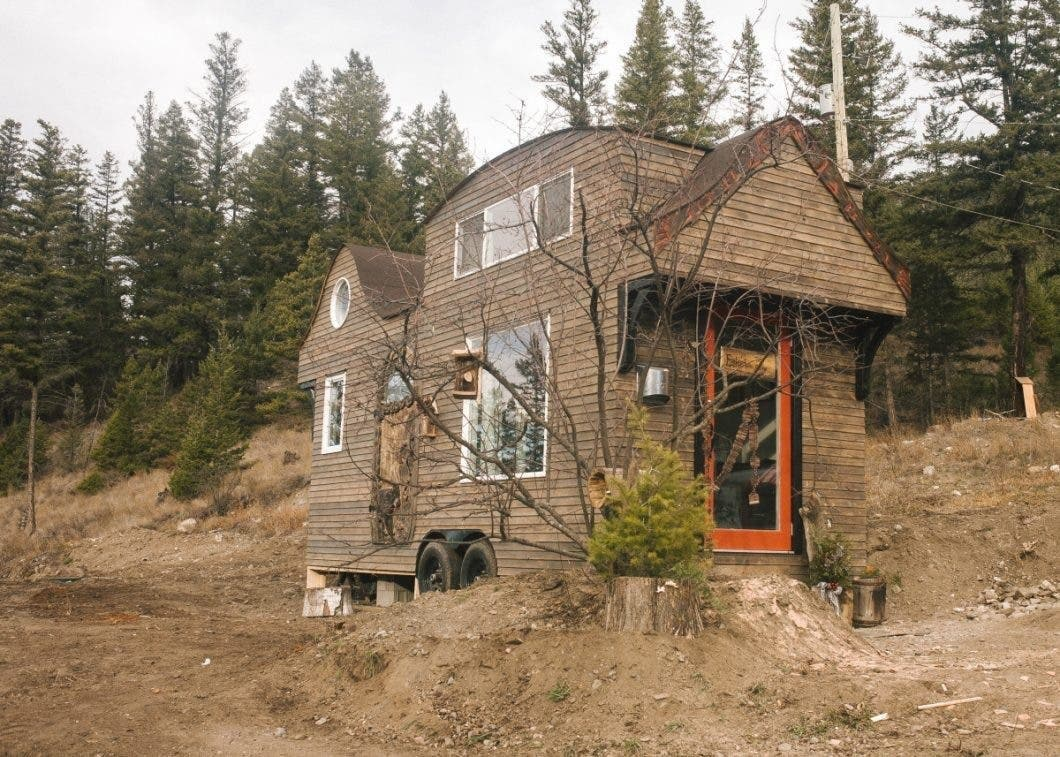 The Esk'et Sqlelten Sculpted Tiny House